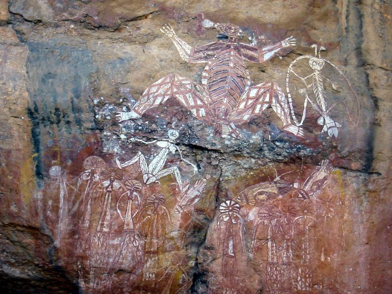 Panel z malowidłami z Anbangbang Rock Shelter, Park Narodowy Kakadu. Fot. Thomas Schoch. Creative Commons
