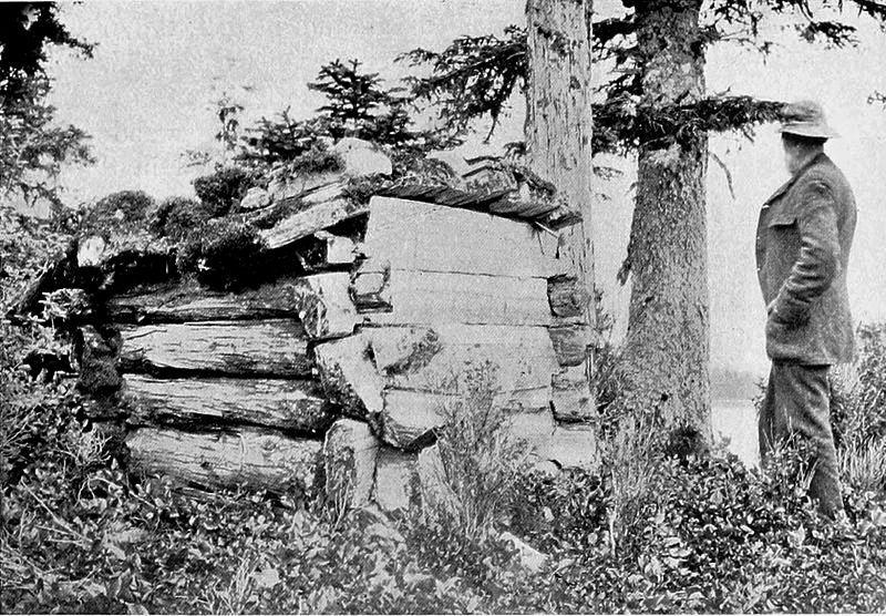 Dom grobowy szamana Tlingitów na Duke Island. Creative Commons (domena publiczna)