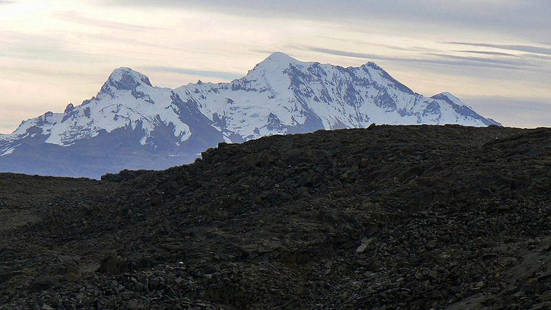 Wulkan Solimana gdzie znajduje się inkaskie centrum administracyjno-ceremonialne Muyu Muyu. Źródło: Creative Commons, fot. Edubucher